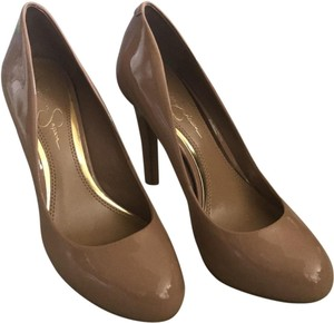 a64e25d97ef1 Jessica Simpson Pumps - Up to 90% off at Tradesy