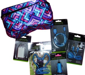 ecircuit Tech kit cosmetic bag micro usb cable sport earphones charger audio