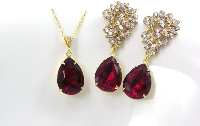 Item - Deep Red Wine Color Necklace and Set Earrings