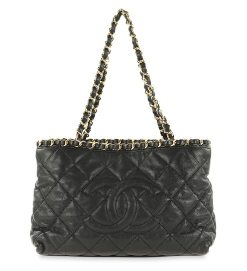 Preload https://img-static.tradesy.com/item/24776770/chanel-small-quilted-black-leather-tote-0-1-540-540.jpg