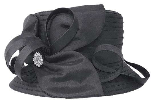 Preload https://img-static.tradesy.com/item/24777051/black-new-formal-bow-accented-flower-hat-0-1-540-540.jpg