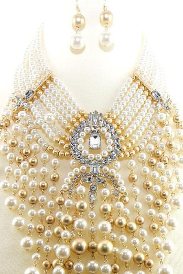Preload https://img-static.tradesy.com/item/24777405/gold-cream-new-chunky-and-earrings-set-necklace-0-1-540-540.jpg