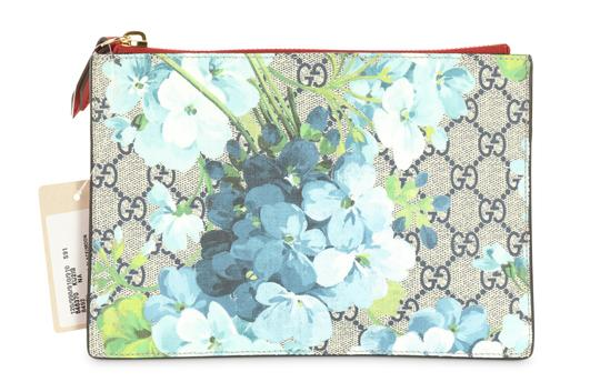 aac6fb5ca2534 Gucci Pouch Gg Blooms Multicolor Coated Canvas Clutch - Tradesy