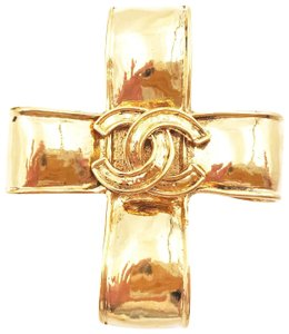 Chanel Chanel Vintage Gold Plated Folded Cross Brooch