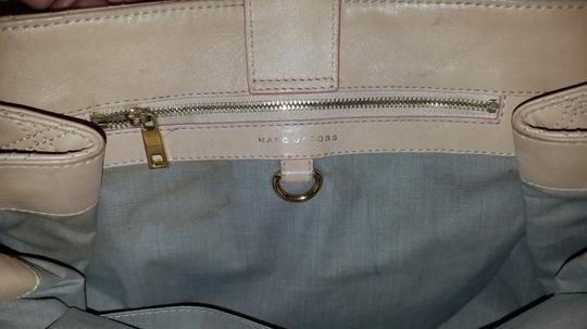 Marc Jacobs Satchel in NUDE TAN Image 10