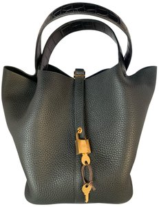eb06572179 Hermès Hobo Bags - Up to 90% off at Tradesy