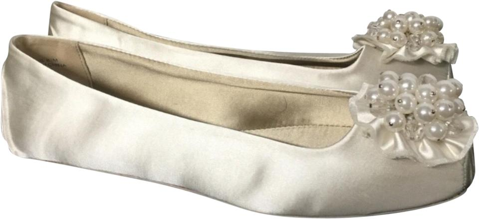 5de231676b70 Kate Spade White Ballet Slipper with Pearls Flats Size US 8.5 ...