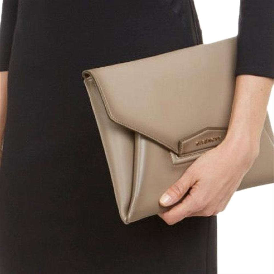 458518c9ea Givenchy Antigona Envelop Medium Grey Colored Leather Calfskin Clutch