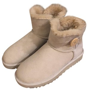 d301cc52f98 Grey UGG Australia Boots & Booties - Up to 90% off at Tradesy