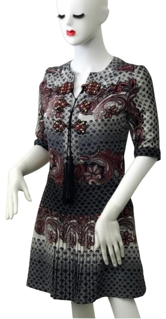 Item - Gray Red Printed Silk Short Casual Dress Size 2 (XS)
