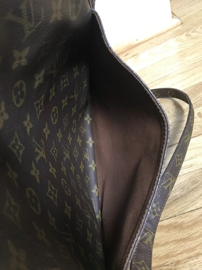 Louis Vuitton Shoulder Bag Image 8