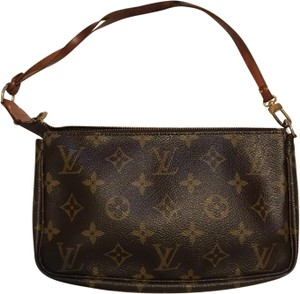 Louis Vuitton Wristlet in brown LV monigram