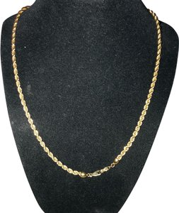 Gorgeous Gold Tone Necklace Gorgeous Gold Tone Chain