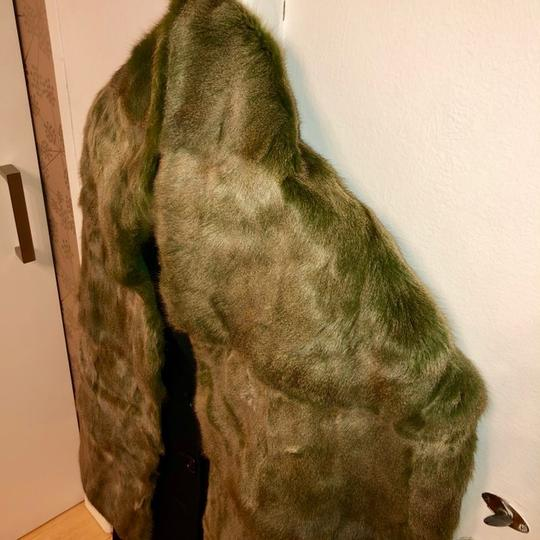 Quartier 206 Berlin Russian Squirrel Fur Scarf in Brown and Green Image 3