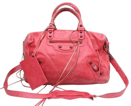 Preload https://img-static.tradesy.com/item/24781914/balenciaga-rose-red-pink-twiggy-maxi-2way-boston-869985-fuchsia-leather-shoulder-bag-0-1-540-540.jpg