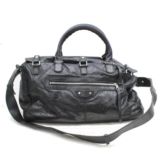 Preload https://img-static.tradesy.com/item/24781925/balenciaga-squash-2way-869986-black-leather-satchel-0-0-540-540.jpg