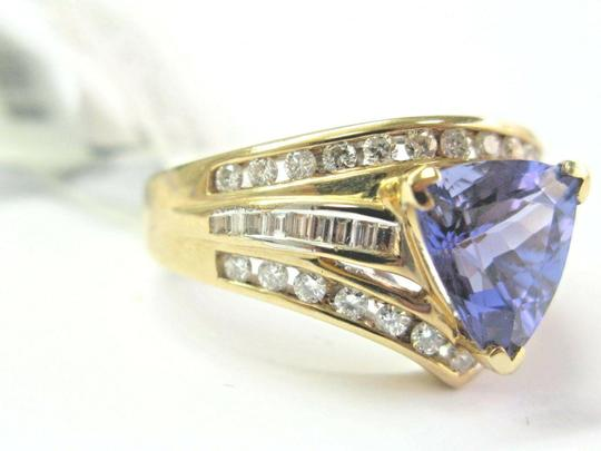 custom Natural Trillion Tanzanite & Multi Shape Diamond Yellow Gold Ring 3.34 Image 3