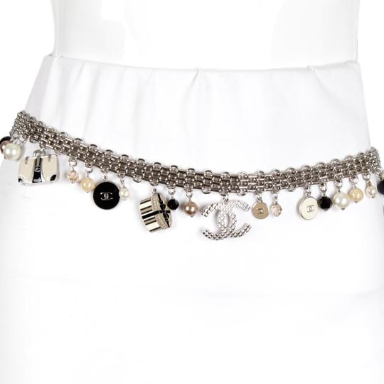 Chanel 07C Silver-Tone Chain-Link Enamel Trains, Luggage, & Pearl Charm Belt Image 2