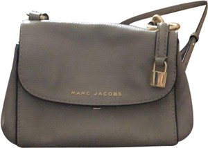 7aa5609f2c4 Marc Jacobs on Sale - Up to 80% off at Tradesy