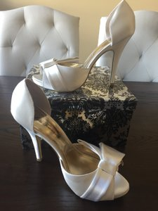 Lulu Townsend Ivory 'bailey' Platform Pumps Size US 7.5 Regular (M, B)