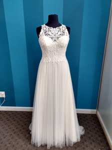 Stella York Ivory/Cafe Tulle 6284 Traditional Wedding Dress Size 12 (L)