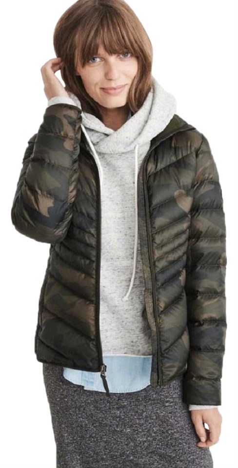 cd25af1b4cc Abercrombie & Fitch Olive Green Camo XS Women's Light Weight Packable Down Jacket  Coat