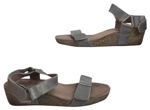 Adam Tucker by Me Too greyh Sandals