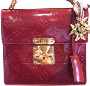 373be064f2b6 Red Louis Vuitton Clutches - Up to 90% off at Tradesy