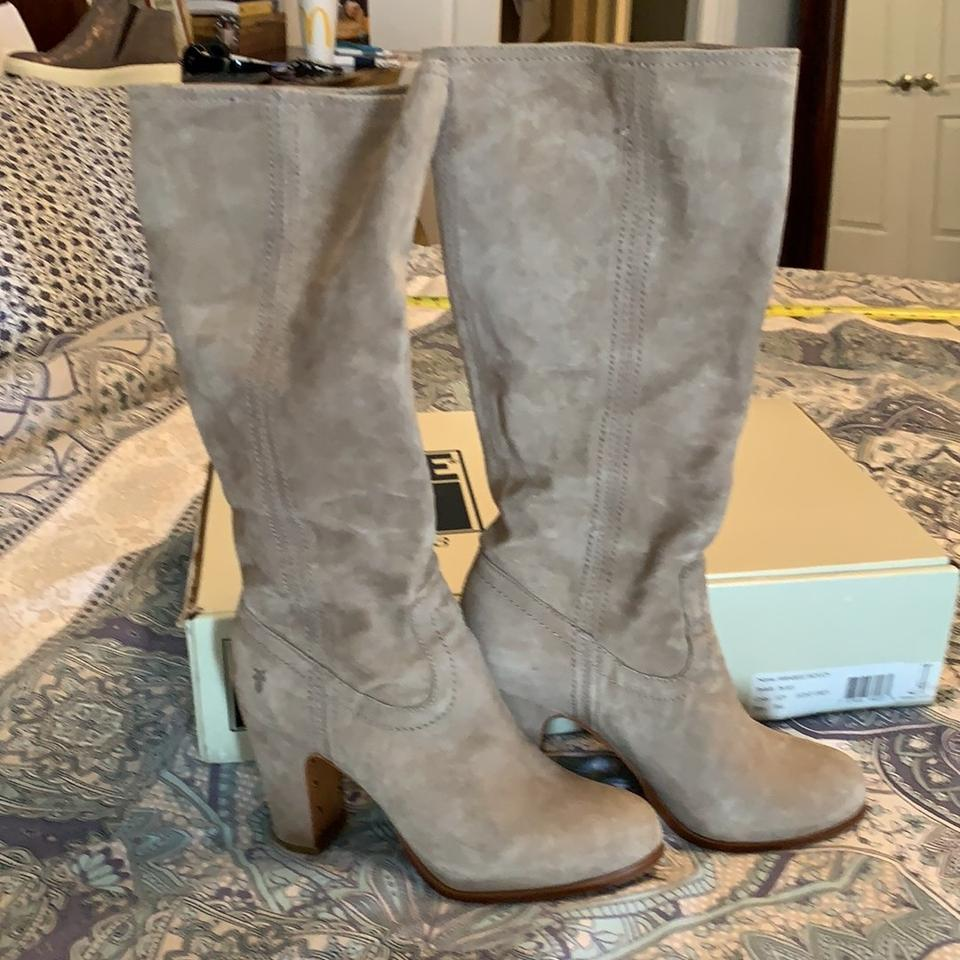 258b83dc317 Frye Light Gray Almost Tan Stunning Suede Heeled Boots Booties Size ...