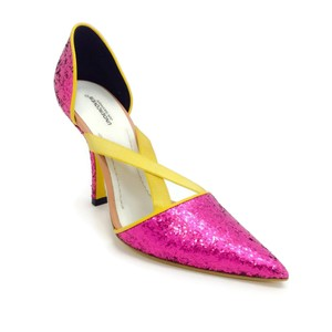 UNDERCOVER Pink Pumps