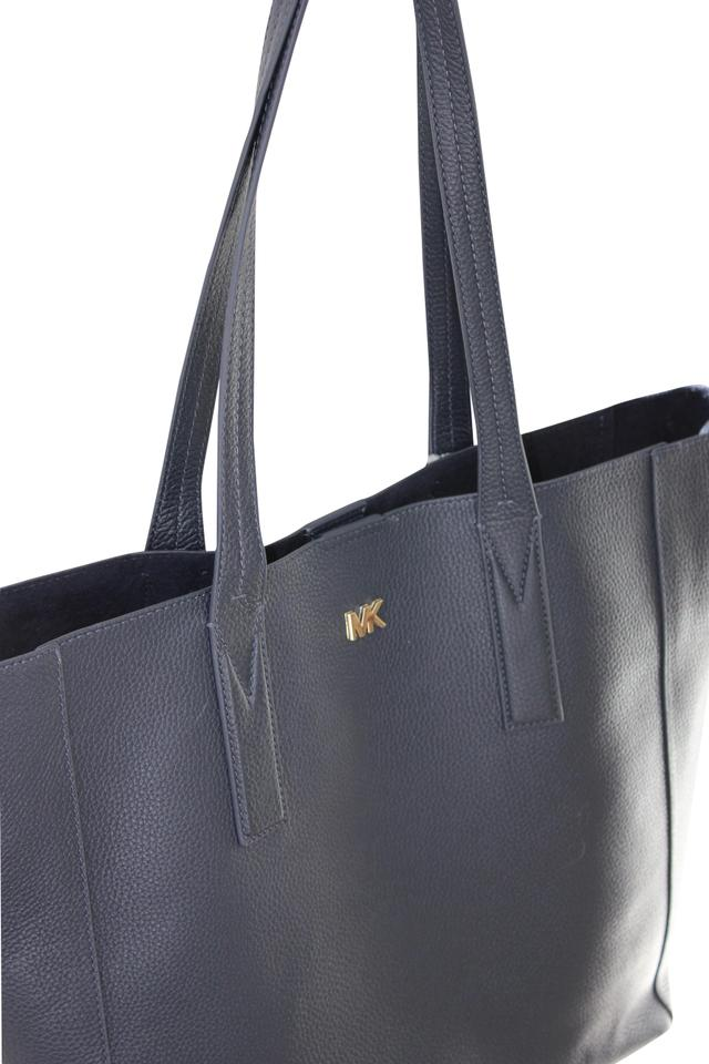 9221169172a3 MICHAEL Michael Kors Large Unlined Lightweight Tote in Admiral (Navy dark)  Image 0 ...