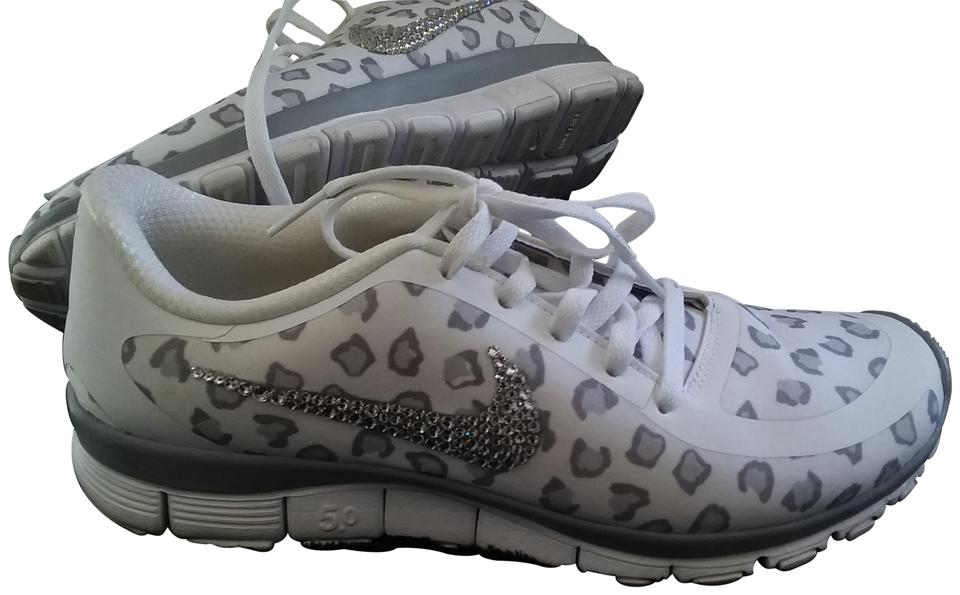 105d0c994ed Nike White and Gray Leopard Print Sneakers Size US 10 Regular (M, B) 53%  off retail