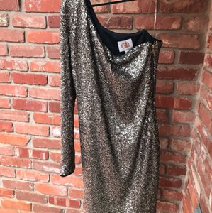 Gianni Bini Gold Off The Shoulder Formal Bridesmaid/Mob Dress Size 6 (S)