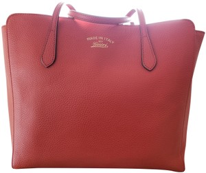 1cab0d54e36 Gucci Swing Tote Bags - Up to 70% off at Tradesy