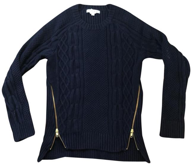Preload https://img-static.tradesy.com/item/24797181/cabi-cableknit-navy-sweater-0-1-650-650.jpg