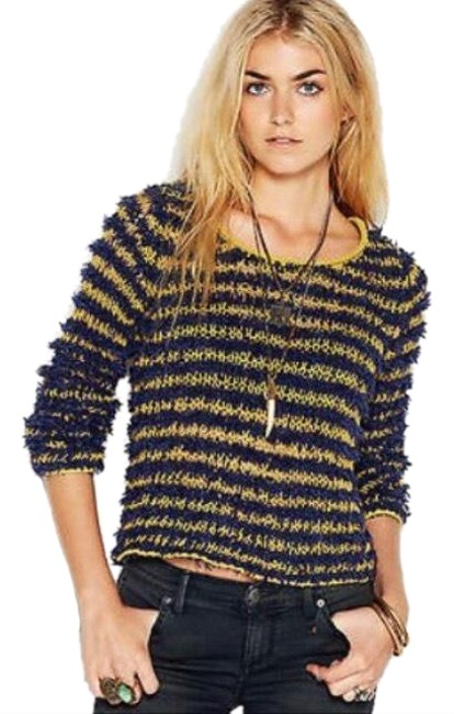 Preload https://img-static.tradesy.com/item/24797240/free-people-downy-stripe-shaggy-sweater-0-1-650-650.jpg