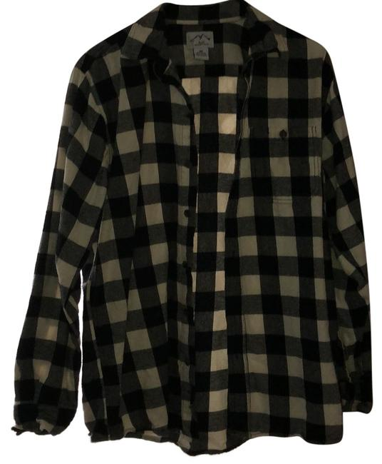 Preload https://img-static.tradesy.com/item/24797501/black-and-white-flannel-button-down-top-size-10-m-0-1-650-650.jpg