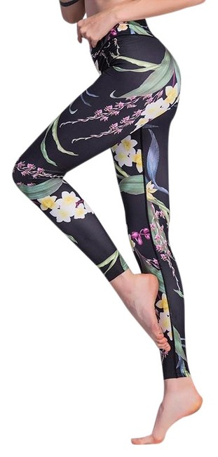 Item - Black and Green With Tropical Design Activewear Bottoms Size 12 (L, 32, 33)