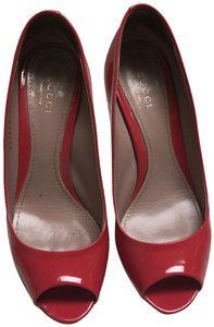 Gucci Patent Leather. Pumps Raspberry Pink Platforms