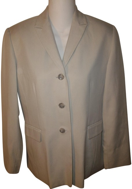 Item - Tan Silk Blazer Size 0 (XS)