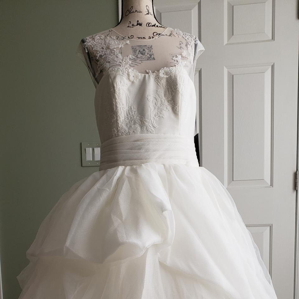 c0e3564140 White By Vera Wang Lace Illusion Wedding Dress - Data Dynamic AG