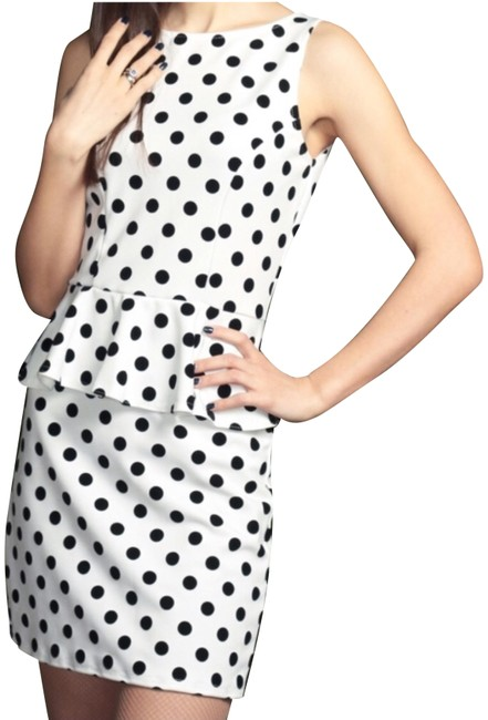 Preload https://img-static.tradesy.com/item/24802966/glamorous-white-polka-dot-short-casual-dress-size-8-m-0-1-650-650.jpg