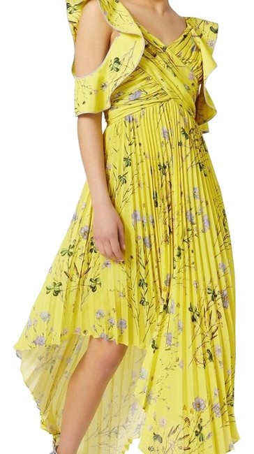 Preload https://img-static.tradesy.com/item/24803723/self-portrait-yellow-cold-shoulder-asymmetrical-floral-long-casual-maxi-dress-size-6-s-0-3-650-650.jpg