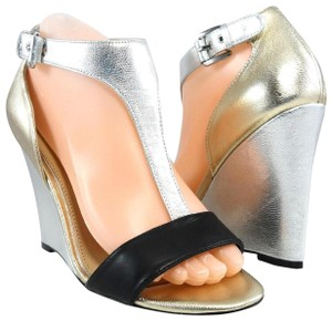 Badgley Mischka T-strap Sandals Patent Leather Gold/Silver Wedges