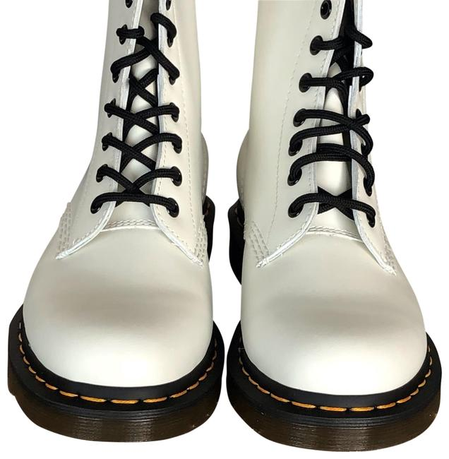 Item - White Smooth 1460 £130.00 11822100 Boots/Booties Size EU 38 (Approx. US 8) Regular (M, B)