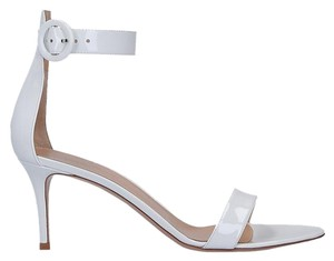 77262b129fc Gianvito Rossi Sandals - Up to 90% off at Tradesy (Page 4)