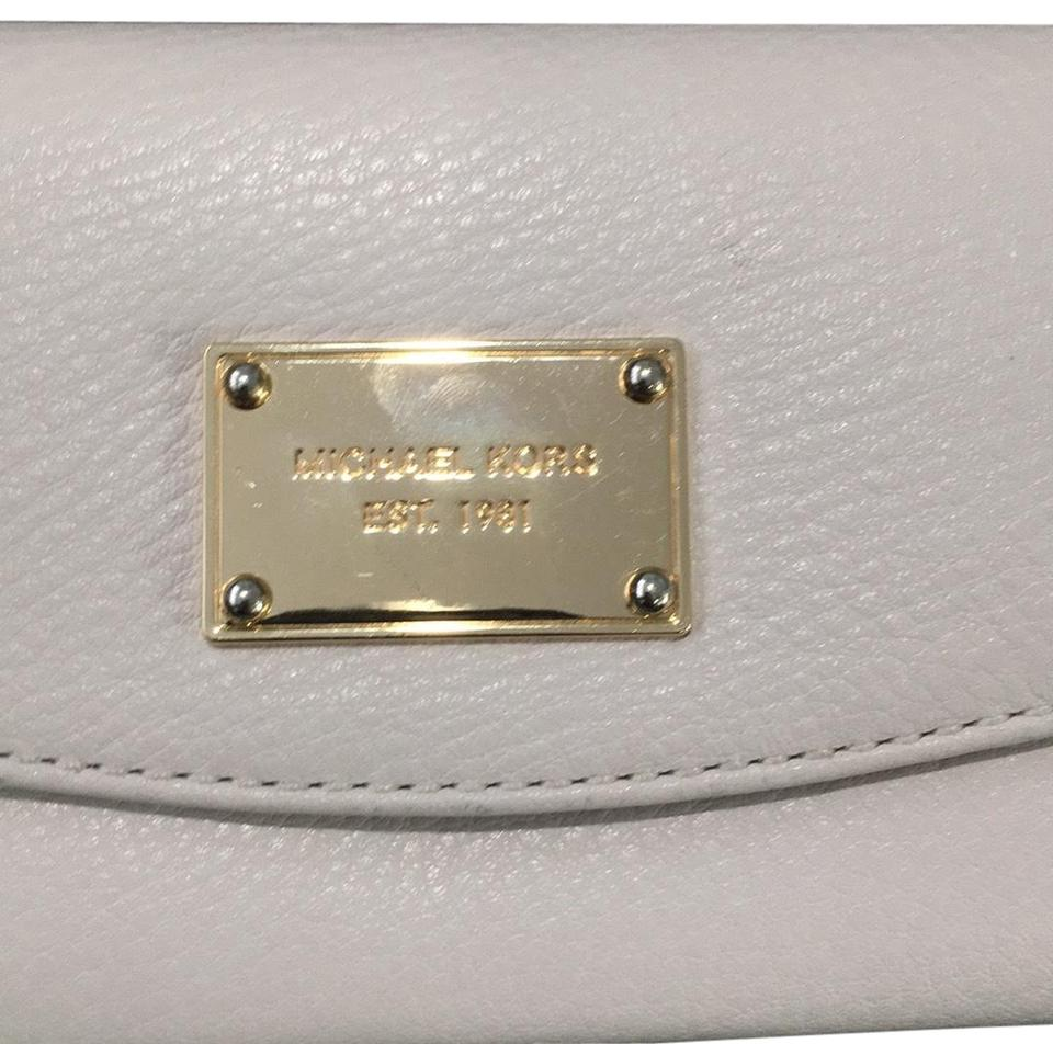 542dc79be038 Michael Kors White Fold Over Wallet - Tradesy