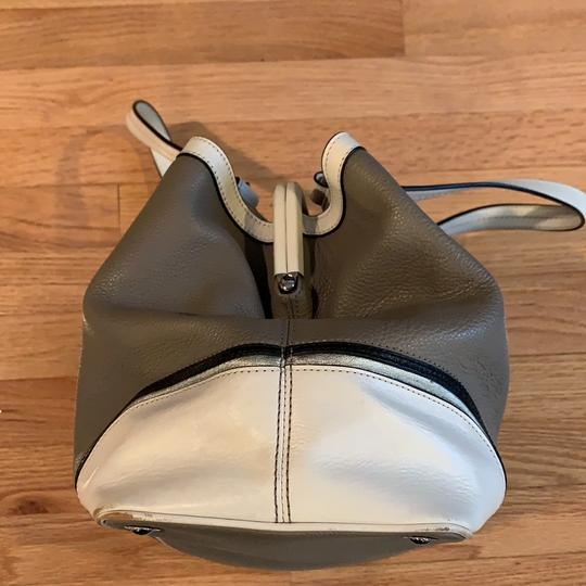 Coach Satchel in grey and white Image 2