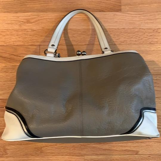 Coach Satchel in grey and white Image 3