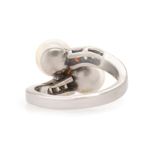 Other Diamond & Pearl Crossover Estate Ring Image 3